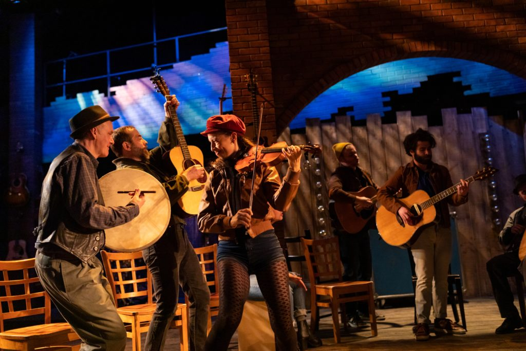 Speakeasy's 'ONCE' a Musical Feast – Theater Mirror